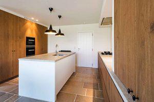Van Aelten design keuken met hout elementen