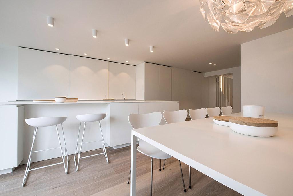 Minimaal en tijdloze keuken ontwerp van Rocco Granata