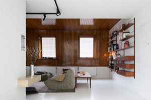 Sfeervol gebruik van hout in een interieur met prachtige materialen en texturen. Uniek als het karakter van Tim van Steenbergen.